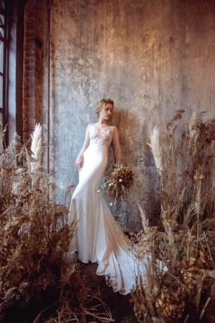 Фотозона с сухоцветами и травами