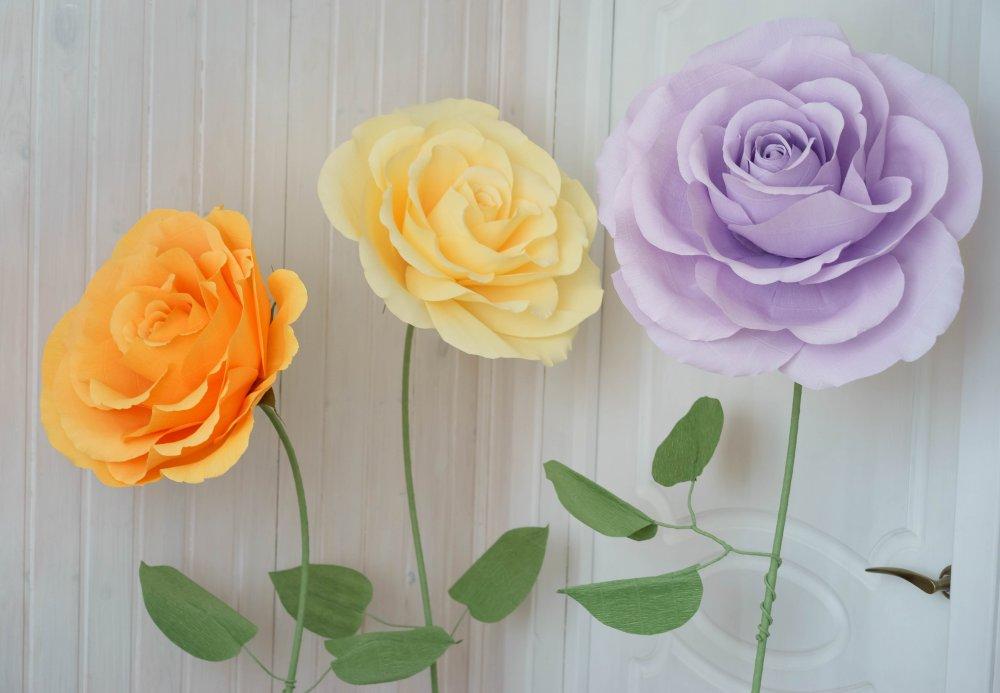 Огромные цветы из гофрированной бумаги на ножке своими руками 36