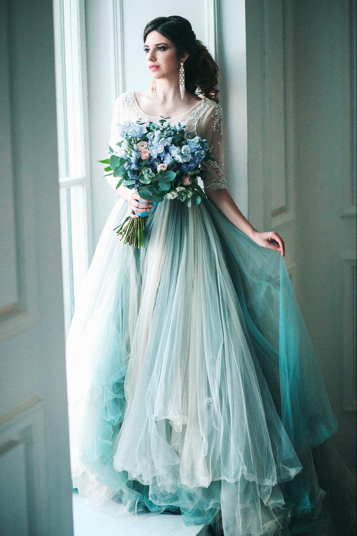 5f5408af3b4a095 Свадебное платье в трендовом цвете - безмятежность - The-wedding.ru