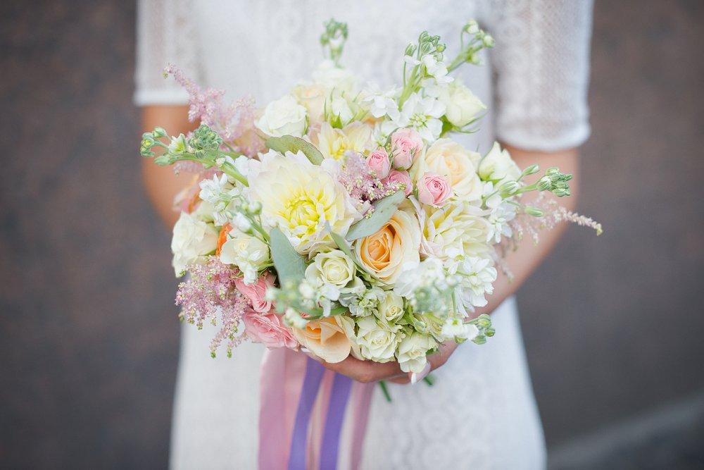 Букет хризантем, букет невесты летний цена минск