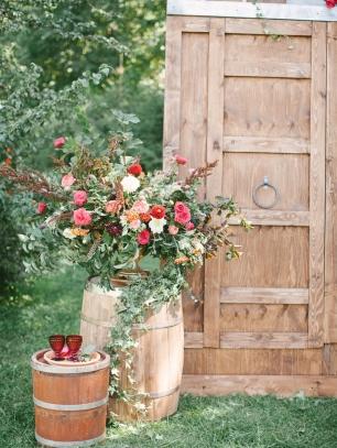 Бочка и дверь