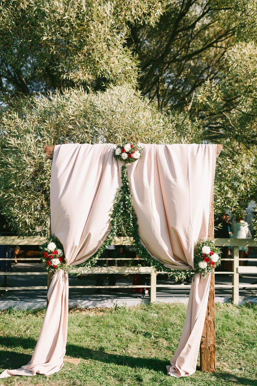 Свадебная арка своими руками - цветочная, из ткани или шаров 41