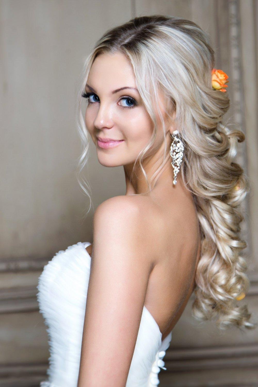 Прически блондинок на свадьбу