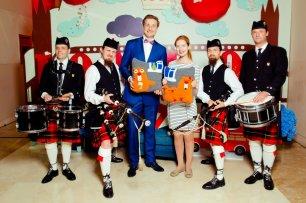 """Свадьба в британском стиле от агентства """"Лавка Чудес"""". С волынщиками и организатором Екатериной в фотозоне. Swissotel"""