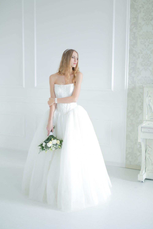 Платье невесты белое