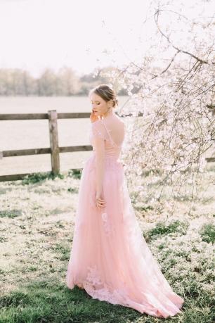 Невесты в розовых платьях фото