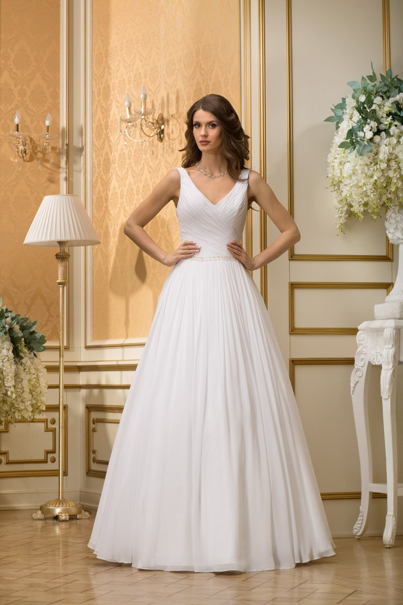 Прямые атласные свадебные платья
