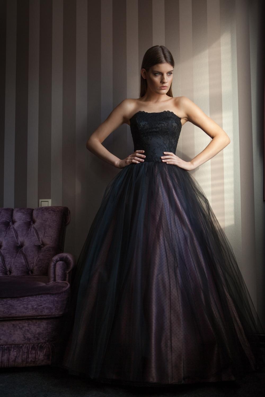 свадебные платья черного цвета фото тот потребовал удалить