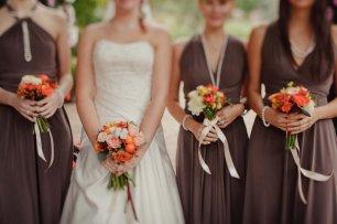 Подружки невесты в коричневом цвете