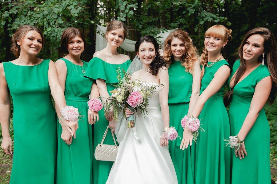 Фото зеленых платьев на свадьбу