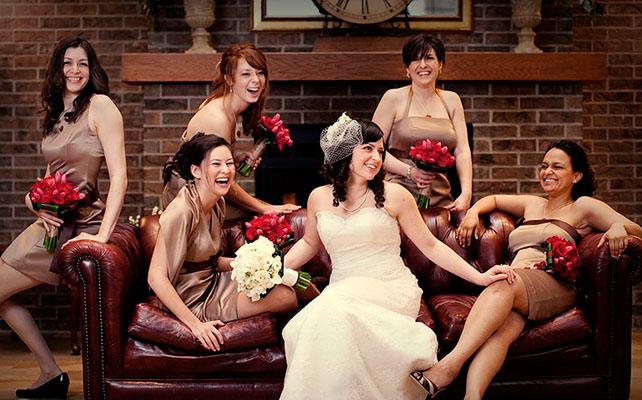 эмоциональные фото невесты и подружек