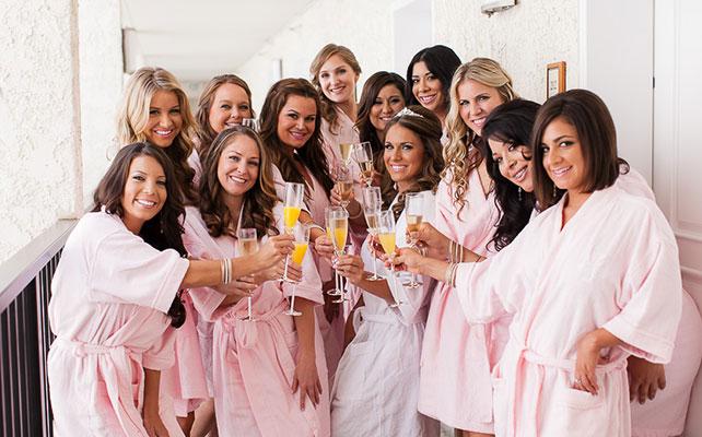 фото невесты и подружек в халатах