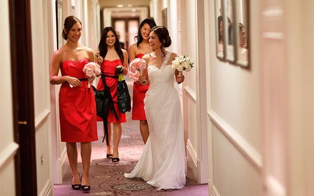 фото невесты и подружек в движении