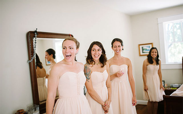 фото подружек, когда они впервые видят невесту