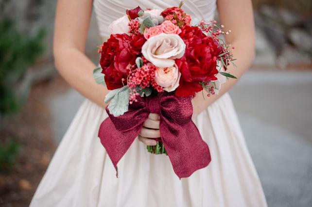 Осень 2015: 10 модных оттенков для свадьбы, букет невесты