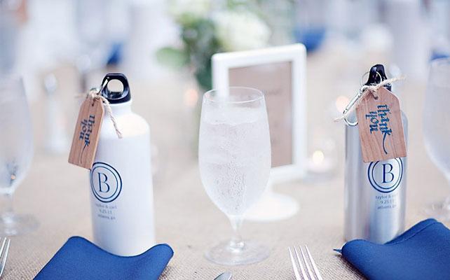 подарки для гостей на свадбе, бутылочки для воды