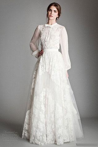 И если вы ищете зимнее свадебное платье, наряд на прохладную осень или раннюю весну, то такой вариант станет для вас идеальным решением