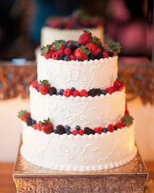 Свадебные торты с фруктами