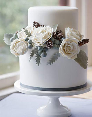 Торт свадебный зимний