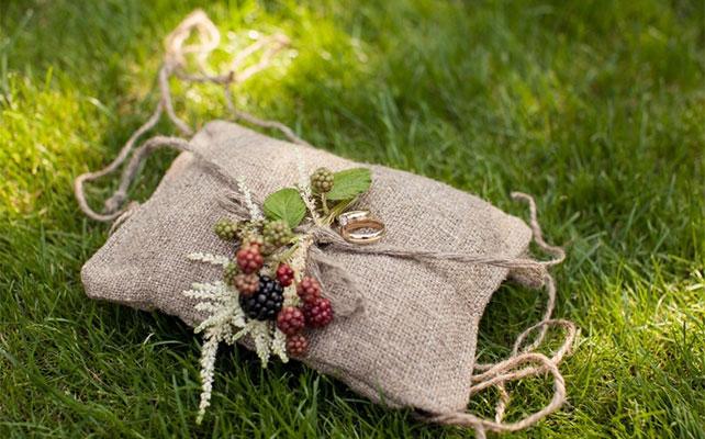 осенняя свадьба, мешковина в декоре