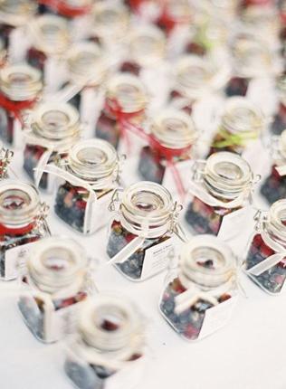 Подарки на свадьбе в баночках