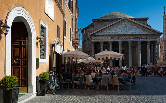 отель Sole al Pantheon Rome в Риме
