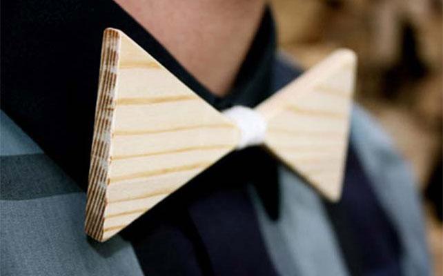 Галстук - бабочка деревянная