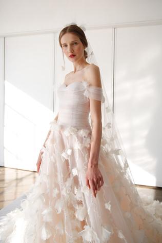 40 лучших beauty-образов Недели свадебной моды весна-лето 2017