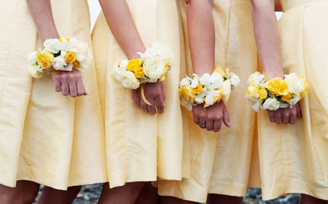 Букетики на руку для подружек невесты