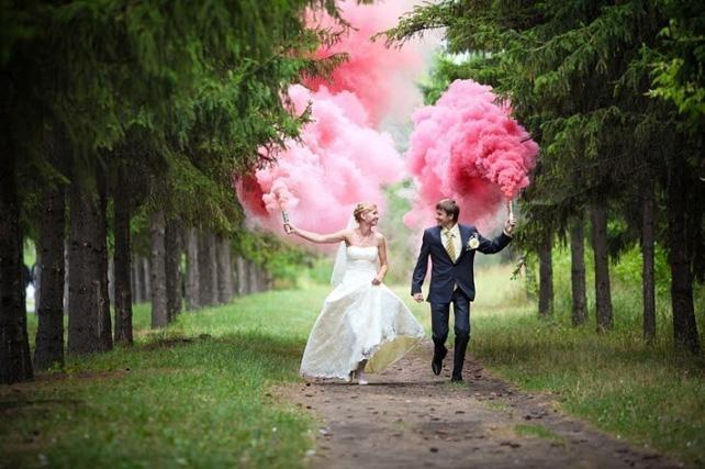 Фото свадебные с дымовыми шашками