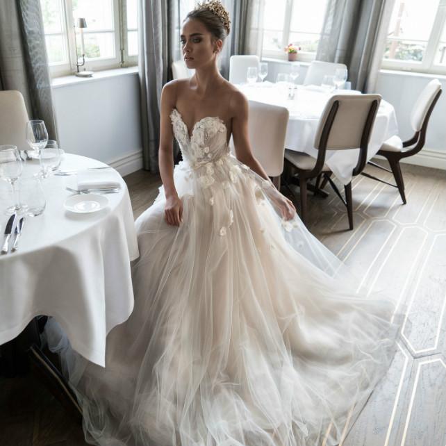 Описание коллекций свадебных платьев
