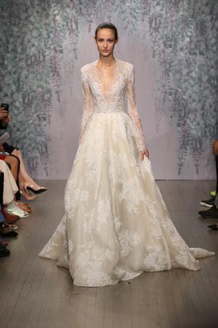 Свадебными платьями monique lhuillier