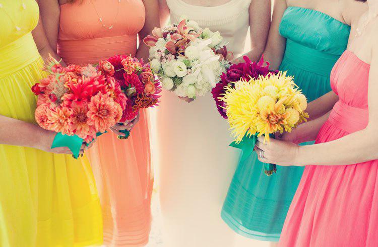 Платья подружек невесты цветные