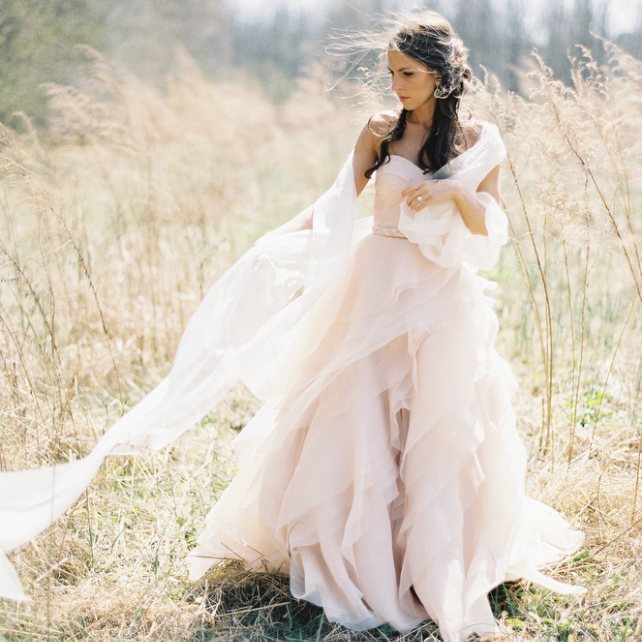 d3ed2bbb8e9 Выбор свадебного платья  покупка vs. аренда