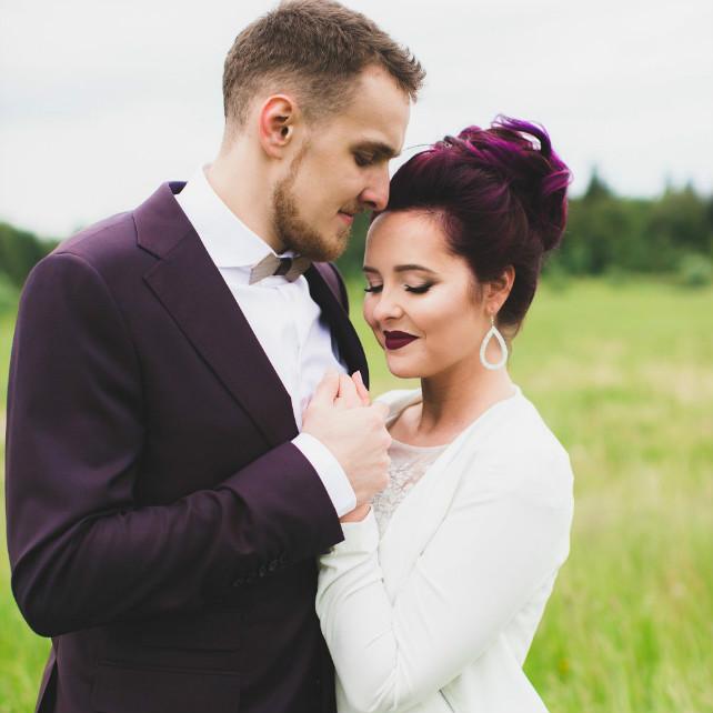 Все цвета радуги: оригинальные свадебные прически