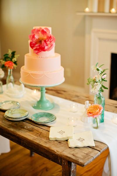 Как сделать простое и оригинальное украшение для свадебного торта