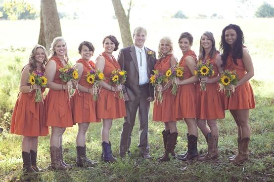 Оранжевые платья для подружек невесты