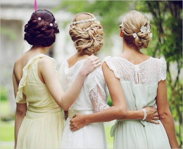 Прически на свадьбу подружке невесты своими руками