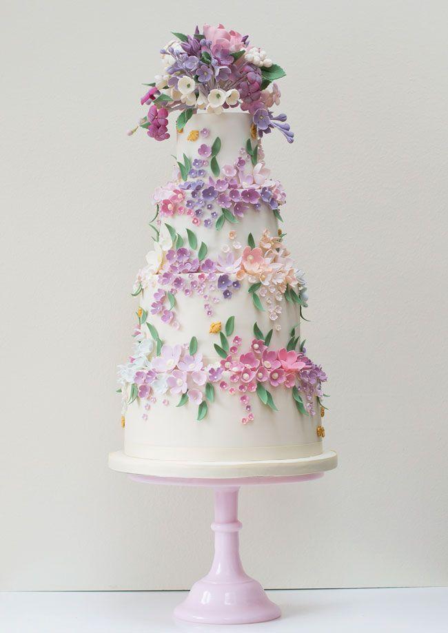 свадебный торт с розами из мастики фото