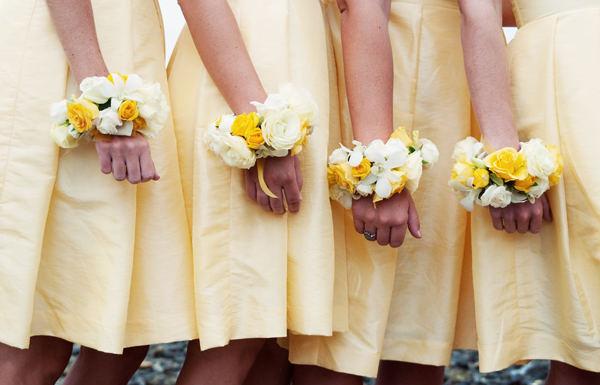Ленточки на руку подружкам невесты