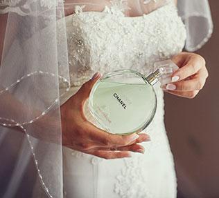 свадьба в пастельных тонах, туалетная вода невесты