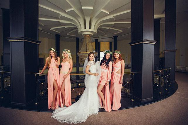 свадьба в пастельных тонах, подружки невесты в розовом