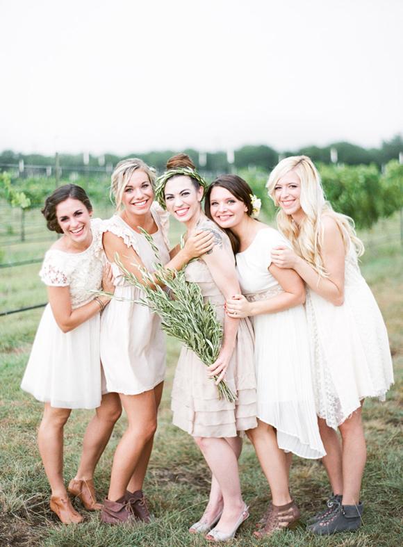 Подружки невесты белых платьях
