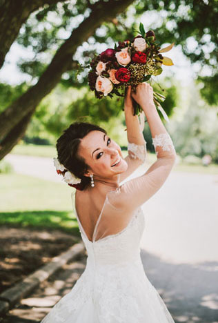 Средиземноморский рустик, невеста с букетом