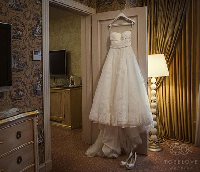 Фото свадебные платья на вешалке