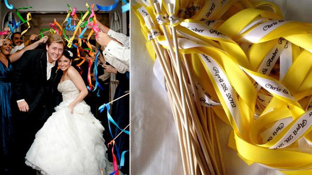ленты на палочке для гостей на свадьбе