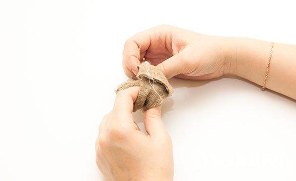 бонбоньерка из мешковины в рустикальном стиле