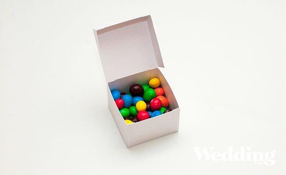 бонбоньерка с конфетами