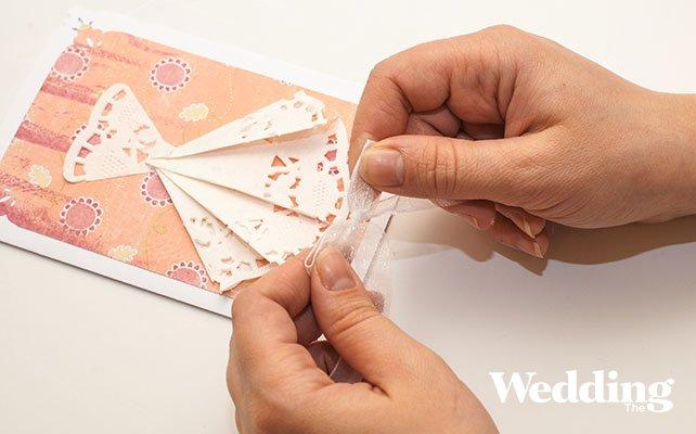 приглашение на свадьбу с платьем невесты на обложке