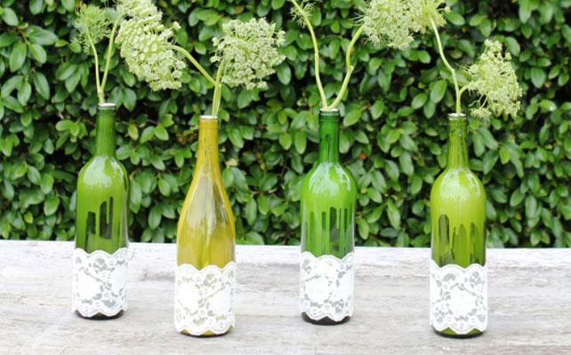 вазы из стеклянных бутылок